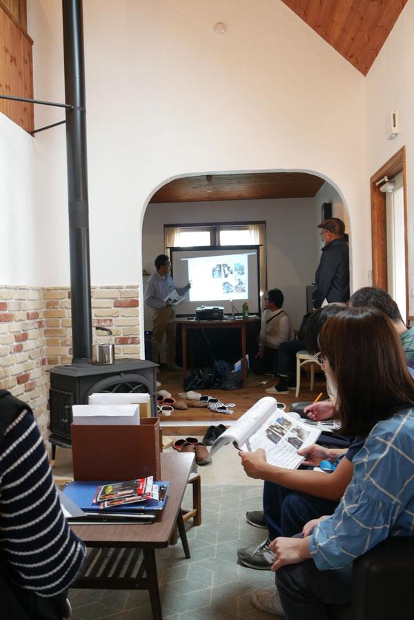 見学会の後半はK様邸のハーフビルドや自作キッチンについて当社スタッフが解説する勉強会となりました。